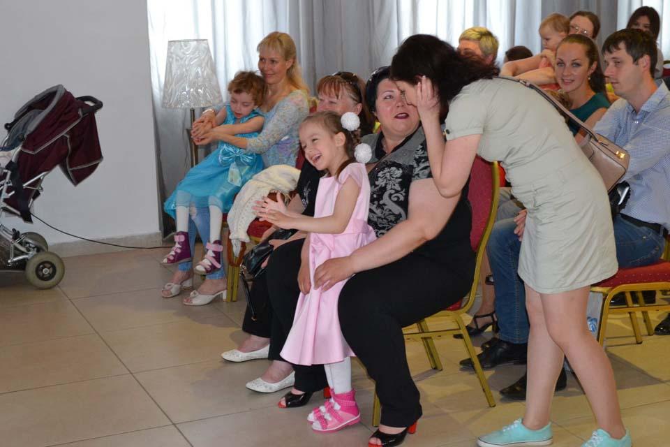 традиционный благотворительный праздник для детей-инвалидов в кафе «Феста Холл»
